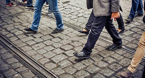 8 benefici di camminare